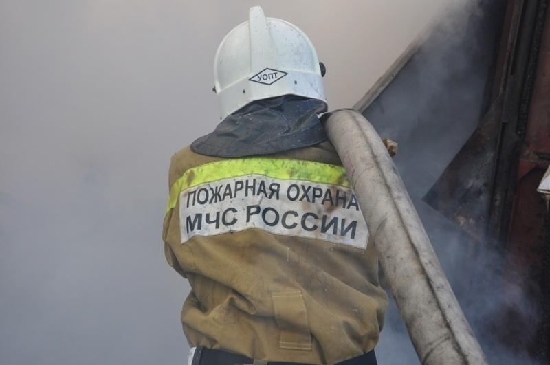 В Петропавловске-Камчатском огнеборцы ликвидировали пожар в административном здании