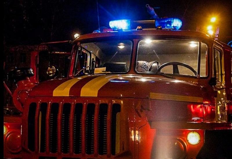 Сотрудники государственного пожарного надзора выясняют пpичину возгорания в Елизовском районе