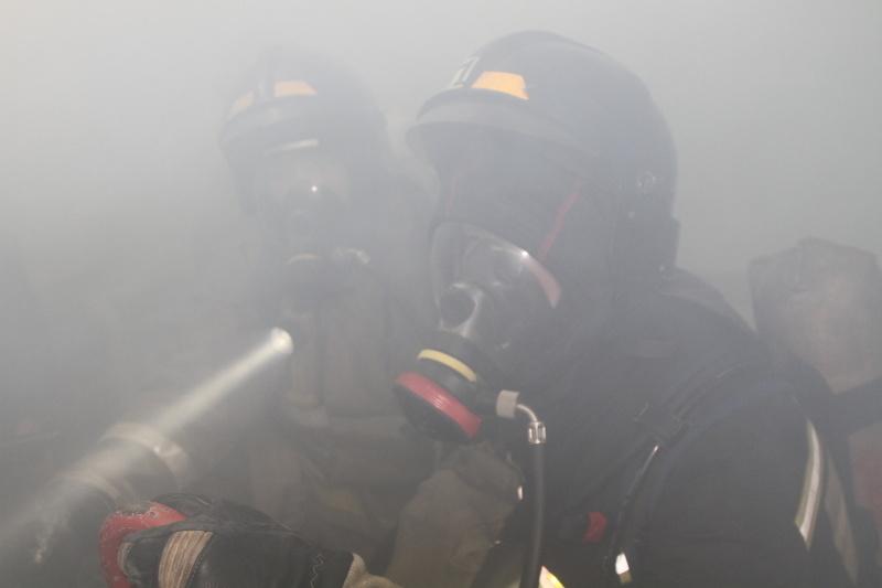 Камчатские пожарные ликвидировали возгорание на судне, предназначенном под утилизацию