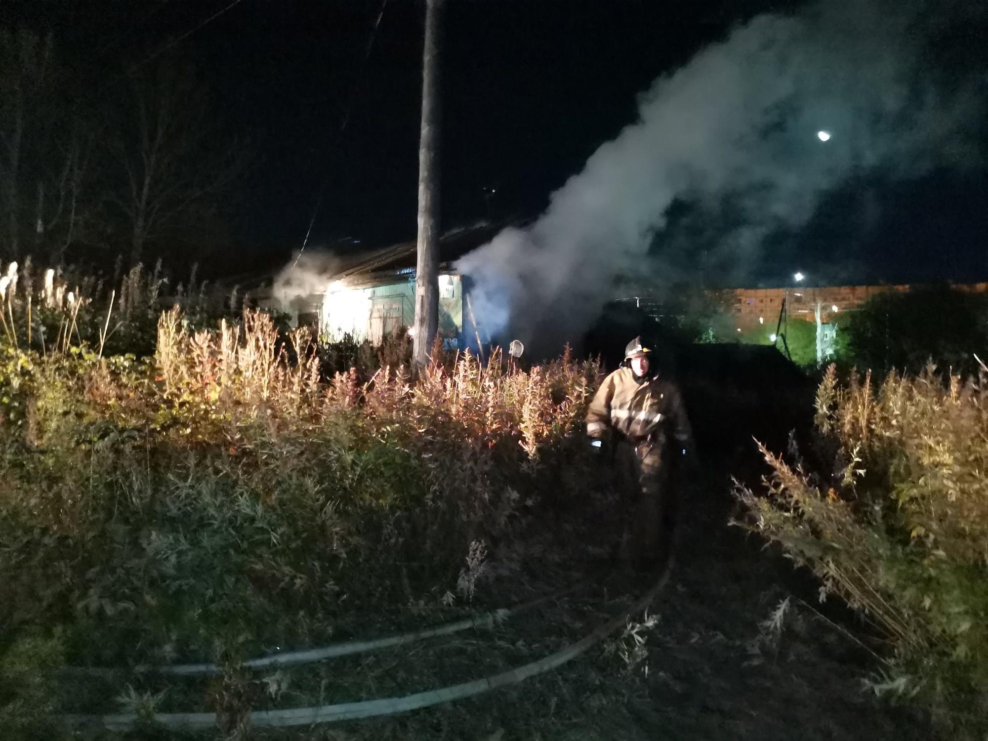 Камчатские пожарные отстояли от огня жилой дом в Мильковском районе