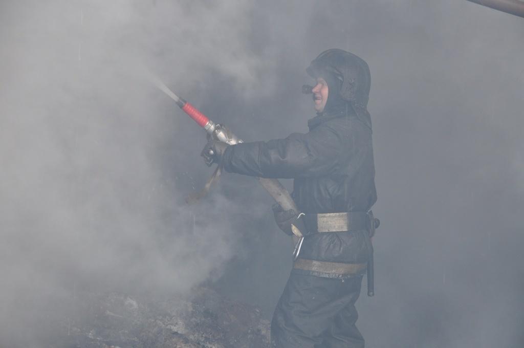 В Мильковском районе Камчатки огнеборцы ликвидировали пожар в административном здании